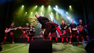 Red Hot Chili Pipers – Long Way to the Top